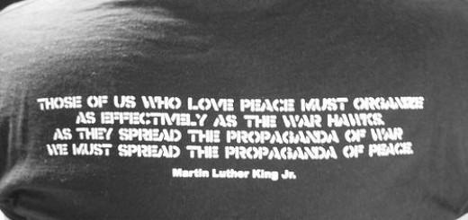 24708851_8c34909525_propaganda