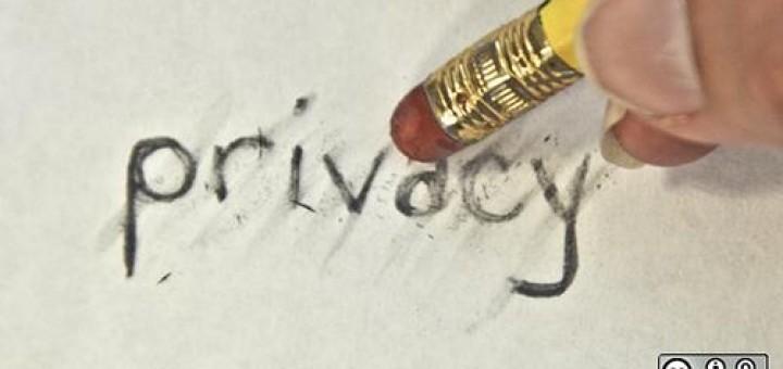 4638981545_f0578a16fe_facebook-privacy