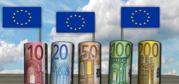 1477c1f4002e51bc75f368eb_640_eu-money