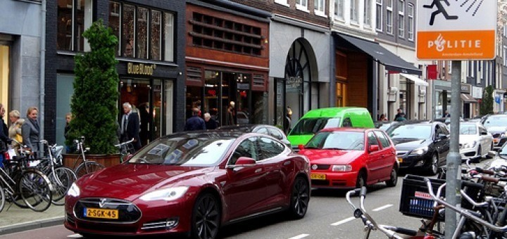 10928682096_e2029670bf_winkels-amsterdam