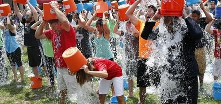15038945225_a24fdacb7d_Ice-Bucket-Challenge