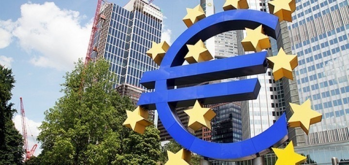 9370726787_3907499cb8_EU-euro