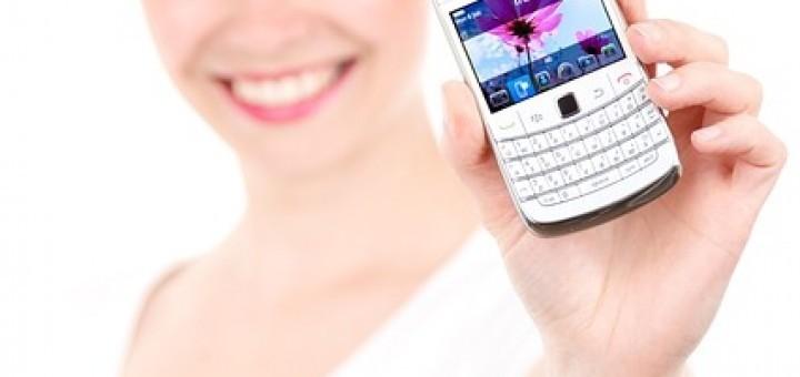 b37833ab7ab7a91b4ee6e265_640_smartphone-car