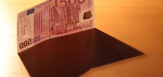 2111811292_7cc00ccf0f_euro-papier
