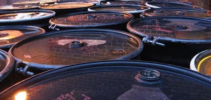 238640467_d3b8308ec8_oil-barrel