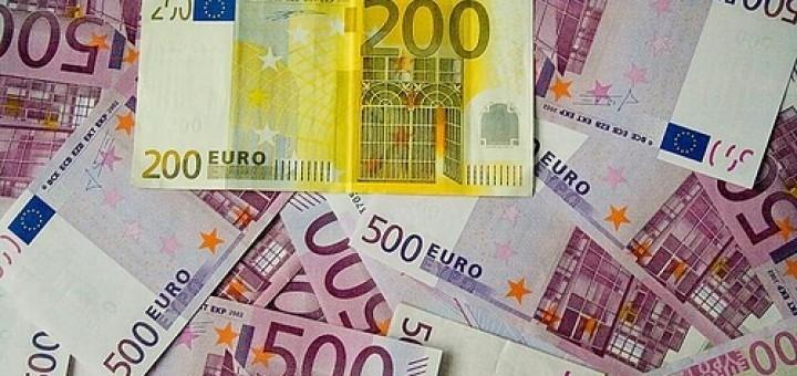 3467533195_f9cf6e089f_500-euro