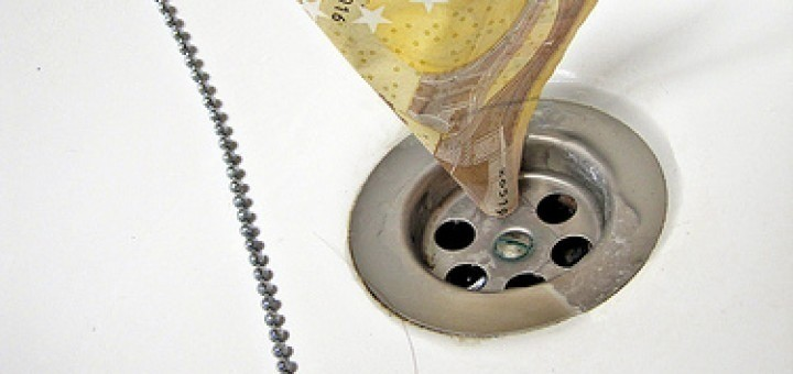 5857958292_65992cb37c_Euro-down-the-drain