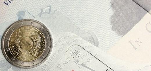 7077657425_e9ae7db427_greece-euro