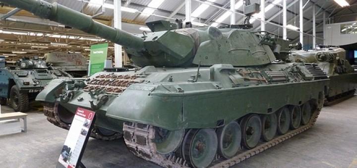 7155638055_b039933824_tank
