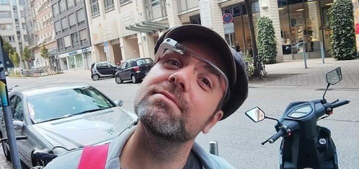 9408560585_369a6b367d_Google-Glass