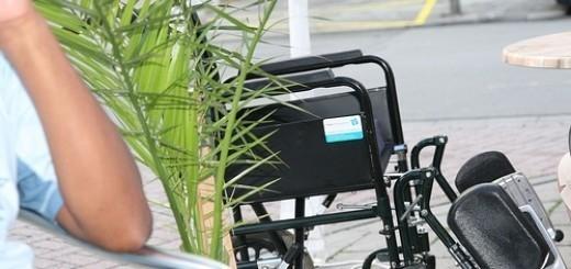 5447908032_4d98526f3d_rolstoel