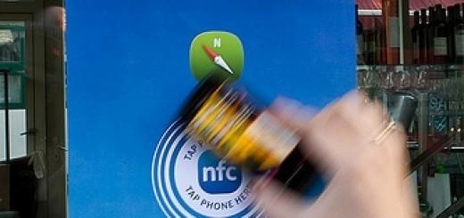 6788490265_bb2745e285_NFC-smartphone