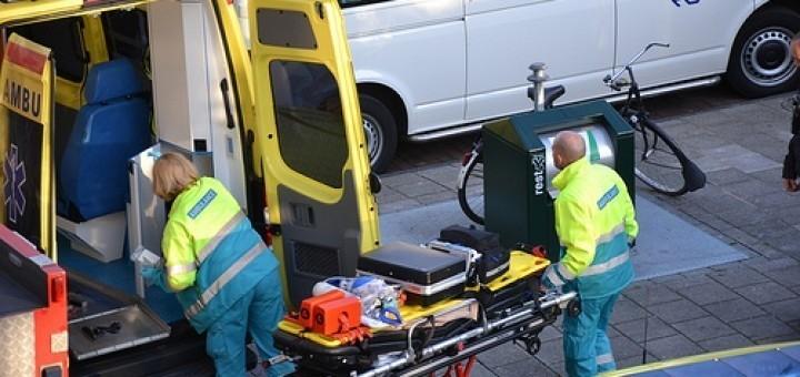 7099848239_6025b06bd2_ambulance-broeders