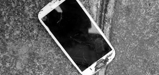 14950338409_f945d1eeb4_smartphone-trace