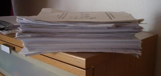 442207378_cd96d03daf_stapel-papier