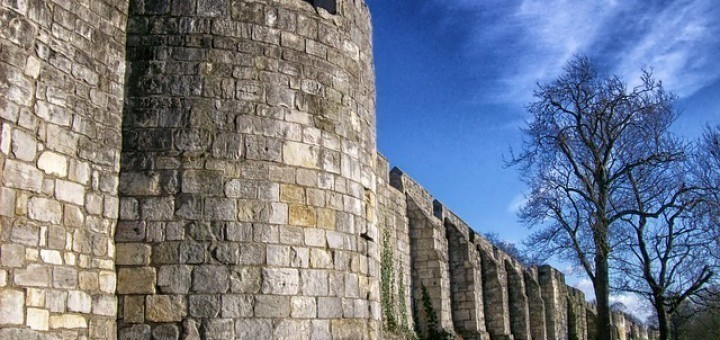 a7bca21be1a75ff5_640_muur