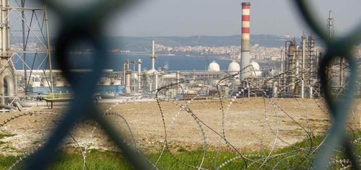 13968449545_feb59d88a0_refinery-turkey