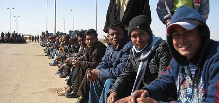 5755270530_ab336df57f_uk-migrants