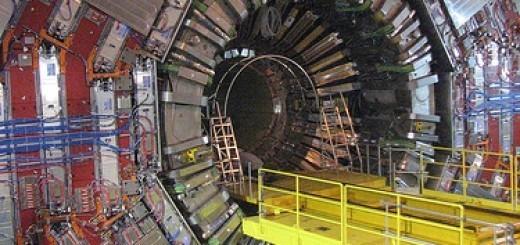 2106283062_981ae59fda_CERN-LHC