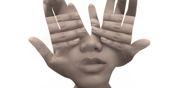 8649722826_b0775b9a13_hands-for-eyes
