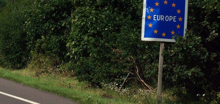 3810250235_b476324ec0_EU-border