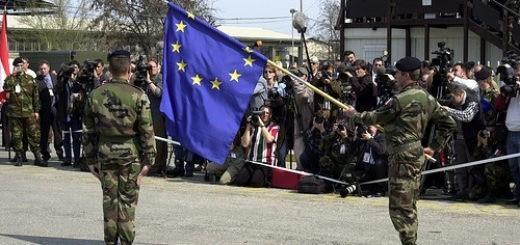 153937152_661002bfca_EU-army