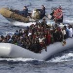 """Op zee """"geredde"""" illegale migranten blijken besmet met coronavirus"""