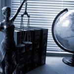 Regering breekt de rechtsbijstand aan onvermogenden af, 'minder inkomen' tevens 'minder rechten'