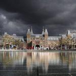 Amsterdamse topambtenaren zijn graaiende zakkenvullers met enorme oprotpremies, schuld van D66