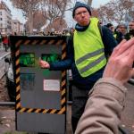 Gele Hesjes bestormen Macron's villa, politie op de vlucht en60% van de flitspalen gesloopt