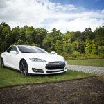 Wachten en sparen voor een tweedehands Tesla? Vergeet het maar, ze gaan massaal naar het buitenland