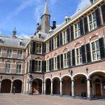 Renoveren kun je leren: Renovatie Binnenhof gaat weer tientallen miljoenen euro meer kosten dan gepland