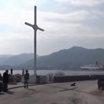 36 Grieken gearresteerd vanwege plaatsen groot christelijk kruis om migranten af te schrikken