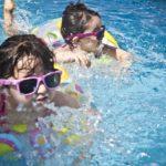 Terreur-zwembad beschermt actief tuigjongeren, zet slachtoffers onder druk géén aangifte te doen