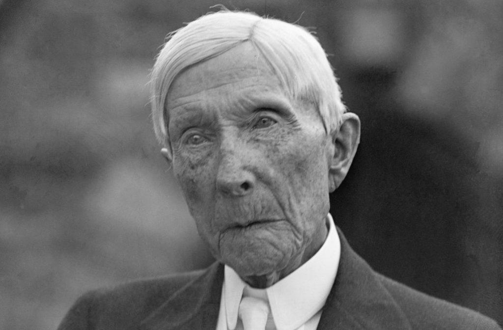 John. D. Rockefeller, de patriarch van de beruchte Rockefeller-dynastie, is gecrediteerd voor het creëren van Big Pharma. Met zijn focus op medicijnen, medicijnen en meer medicijnen, is de moderne farmaceutische industrie aan de basis van een gelddragende creatie van Rockefeller.
