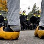 Boerenopstand: Op allerlei plekken in het land breken boerenprotesten uit