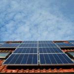 Amsterdam komt met energieplan: elke vierkante meter dak volplempen met zonnepanelen